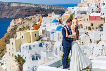 Wedding couple in Santorini