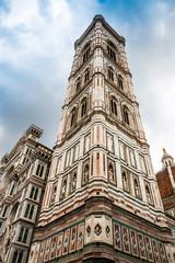 Le campanile di Giotto de la cathédrale Santa Maria del Fiore à Florence