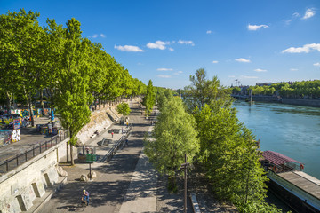 Lyon/les quais du Rhône