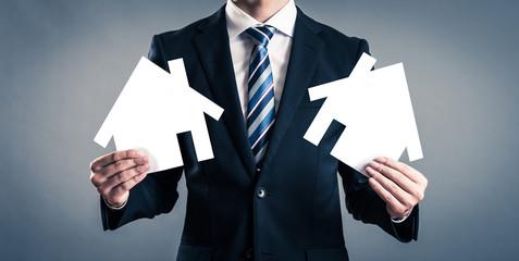 住宅イメージとビジネスマン