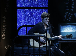 "Shawn Mendes performs ""Stitches"" at the 2016 Billboard Awards in Las Vegas"