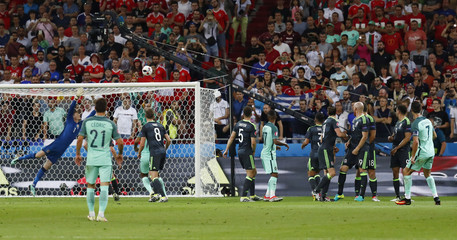Portugal v Wales - EURO 2016 - Semi Final
