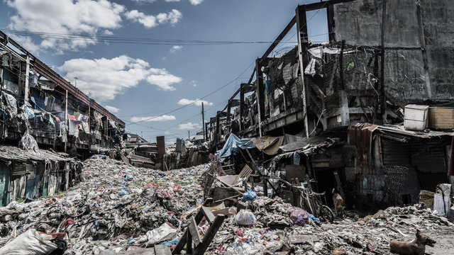 The most infamous slum in Philippines, Happyland in Manila, and people live right in this environment