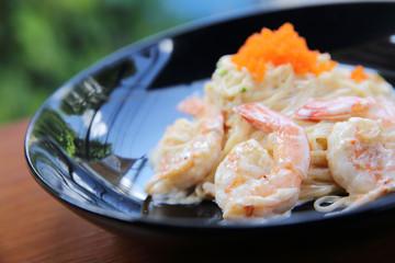 Shrimp spaghetti with white sacue