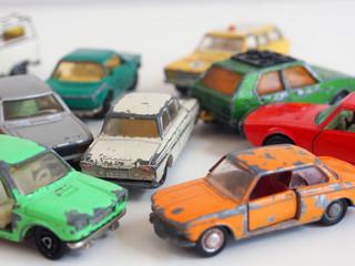 Verkehrschaos: Spielzeugautos der 1970er Jahre: