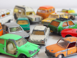 Verkehrschaos: Spielzeugautos der 1970er Jahre