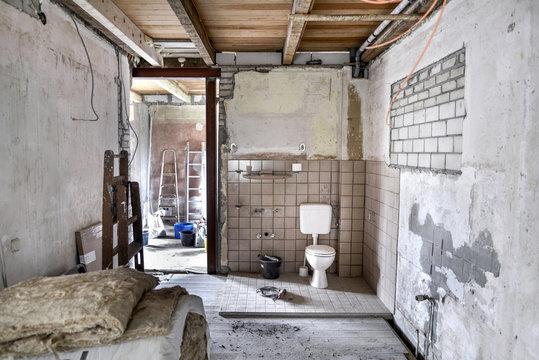 Sanierung * Toilette WC