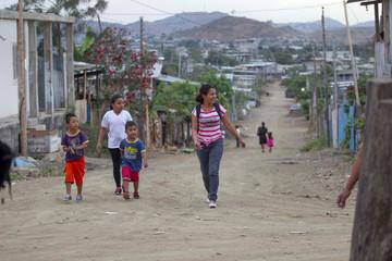 People walk in Monte Sinai