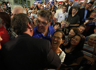 Republican U.S. presidential candidate and New Jersey Governor Chris Christie shakes hands with supporters after formally announcing his campaign for the 2016 Republican presidential nomination during a kickoff rally in Livingston