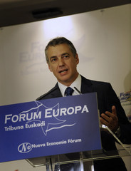 Leader of the Basque Nationalist Party Urkullu addresses a meeting of the Forum Europa in Bilbao