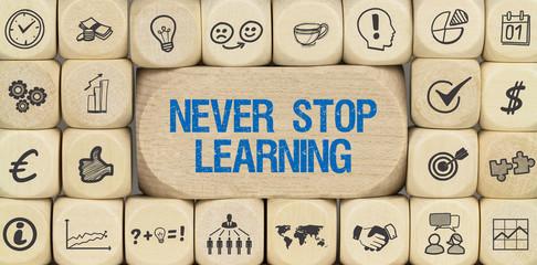 Never Stop Learning / Würfel mit Symbole