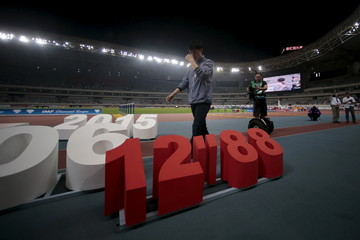 Liu Xiang attends his retirement ceremony in Shanghai