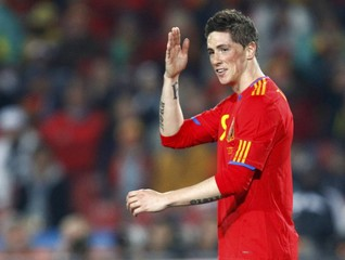 Spain's Torres gestures during a 2010 World Cup Group H match against Honduras in Johannesburg