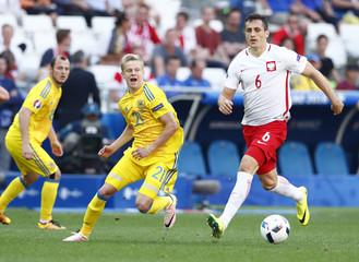 Ukraine v Poland - EURO 2016 - Group C