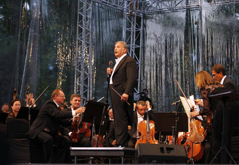 Bavarian State Orchestra and renowned conductor Mehta speaks during the Ehasas-e-Kashmir concert at Shalimar Garden on the outskirts of Srinagar