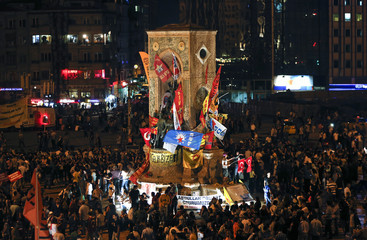Anti-govenment protesters gather in Taksim square in Istanbul