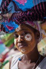 visage maquillé femme Madagascar