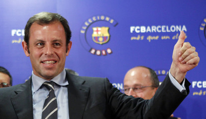 Sandro Rosell celebrates after winning the elections in Barcelona