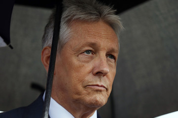 Peter Robinson, former First Minister if Northern Ireland speaks to the media outside Stormont Castle in Belfast