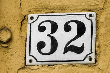 Hausnummer 32