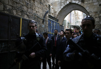 Japan's Prime Minister Shinzo Abe and wife visit Old City of Jerusalem