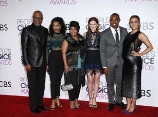 The cast of Grey's Anatomy arrives at the People's Choice Awards 2017 in Los Angeles
