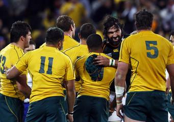 South Africa Springboks' Victor Matfield congratulates Australia Wallabies players after their Rugby World Cup quarter-final match at Wellington Regional Stadium