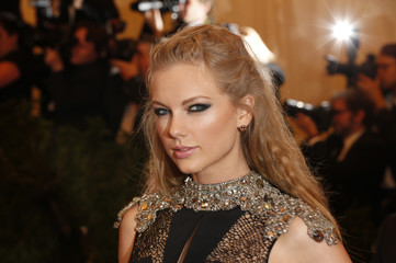 "Singer Taylor Swift arrives at the Metropolitan Museum of Art Costume Institute Benefit celebrating the opening of ""PUNK: Chaos to Couture"" in New York"