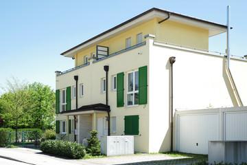 Neue Häuser In Einer Wohnsiedlung, Moderne Architektur