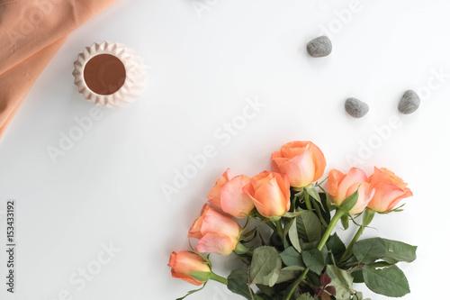 Gut Rosen, Steine, Vase Und Tuch