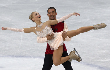 Germany's Aliona Savchenko and Robin Szolkowy compete during the pairs free skating program at the ISU World Figure Skating Championships in Saitama