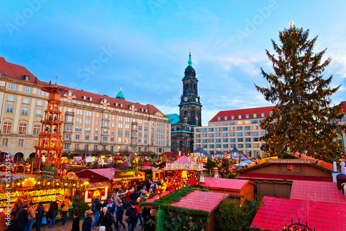 Weihnachtsmarkt In Dresden.Weihnachtsmarkt In Dresden Deutschland Stock Photo And Royalty