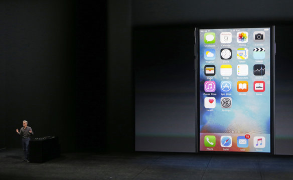 Craig Federighi  takes the stage to discuss the 3D Touch featured on the new iPhone 6s during an Apple media event in San Francisco, California