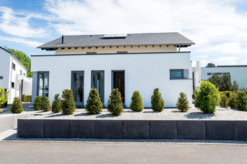 Flachbauhaus, modern