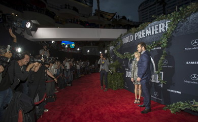 """Pratt and his wife actress Faris pose at the premiere of """"Jurassic World"""" in Hollywood"""