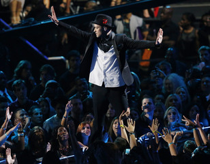 Justin Timberlake performs during the 2013 MTV Video Music Awards in New York