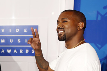Kanye West arrives at the 2016 MTV Video Music Awards in New York