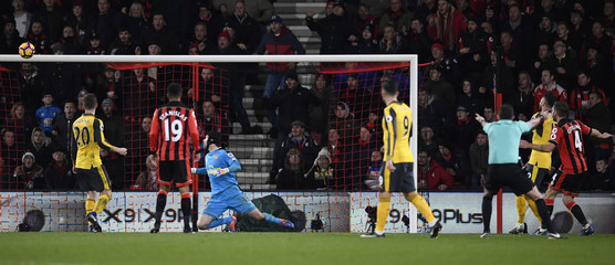 Bournemouth's Dan Gosling misses a chance to score