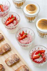 verrines fraises chantilly dessert buffet traiteur