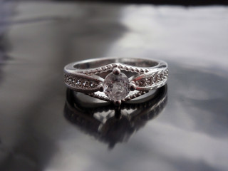 Vintage ring with diamond