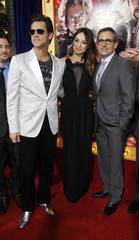 """Carrey, Wilde and Carell pose at the premiere of """"The Incredible Burt Wonderstone"""" in Hollywood"""