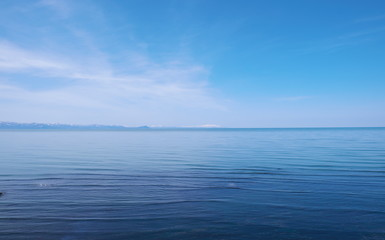 春の海と空