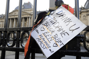A message in honour of Queen Fabiola lays outside the Royal Palace in Brussels