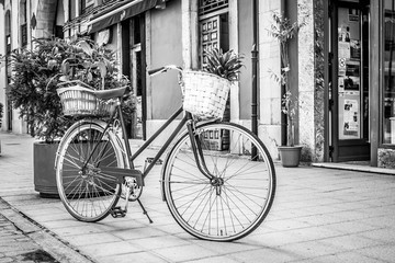 Bicycle in black and whiteBicycle in black and white with baskets