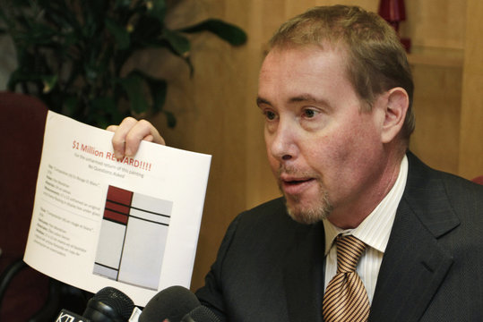 Superstar bond fund manager Gundlach, whose collections of art, pricey watches and fine wine were recently plundered by burglars, conducts a news conference in Los Angeles