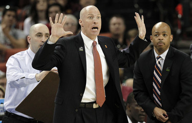 University of Illinois coach John Groce reacts during their second round NCAA basketball game against the University of Colorado in Austin, Texas