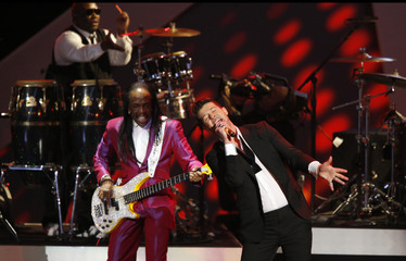 """Thicke performs """"Blurred Lines"""" with White of Earth, Wind & Fire at The Grammy Nominations Concert Live - Countdown to Music's Biggest Night event in Los Angeles"""