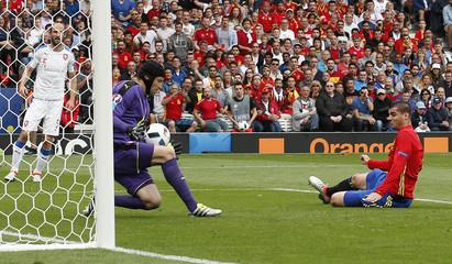 Spain v Czech Republic - EURO 2016 - Group D