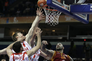 Antic of  F.Y.R. Macedonia fights for ball with Shengelia, Boisa and Shermadini of Georgia during their FIBA EuroBasket 2011 Group F basketball game in Vilnius