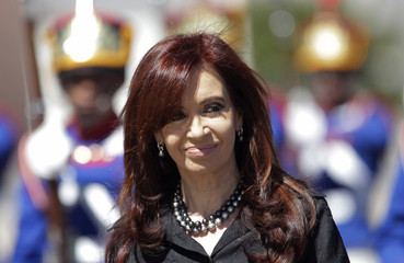 Argentina's President de Kirchner attends a welcome ceremony at Planalto Palace in Brasilia